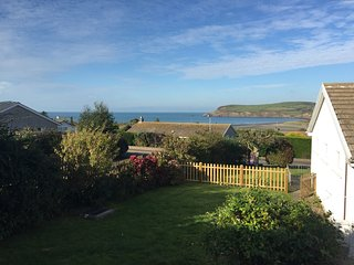 Stunning Sea Views - Awel - y - Mor, Newport, Pembrokeshire, Newport -Trefdraeth