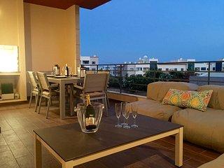 Luxueux appartement près de la marina et de la plage pour 6 personnes