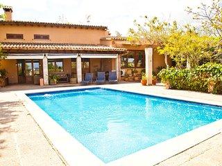 Bonita Villa Rural con Piscina, Barbacoa, Wifi, AACC y Sala de Juego, Randa