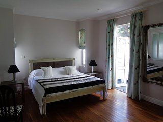 Deluxe double in Chateau Elysium - mountain view, Beau Vallon