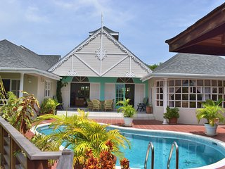 "Ixora Luxury Villa on the famous ""Spice Island"", Saint-George's"