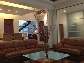 Spacious 6Br & 6Ba house' 15p; families & work groups, near the WTC & La Condesa