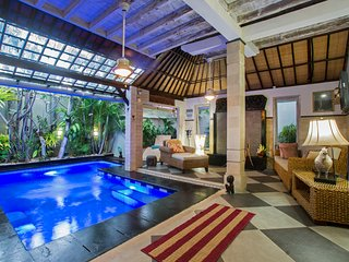 Beautiful 2 Bedroom with Private Pool Villa in Central of Seminyak