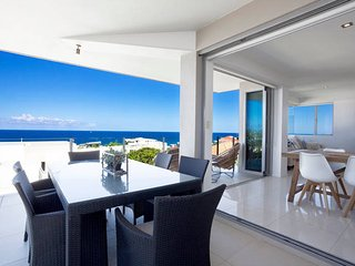 Stunning Sunshine Beach Penthouse