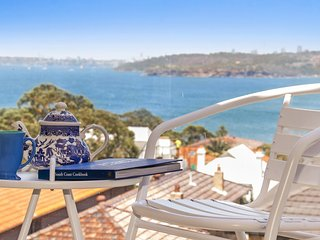 Harbour side apartment with never-ending views, Manly