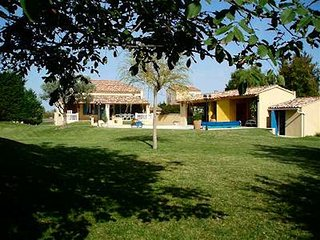Nice Villa 10p. Courthézon Vaucluse, private pool with pool house, Courthezon
