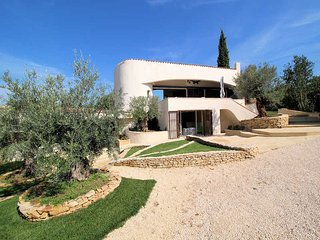 Comfortable modern Villa 8p. Castillon-du-Gard, private heated pool