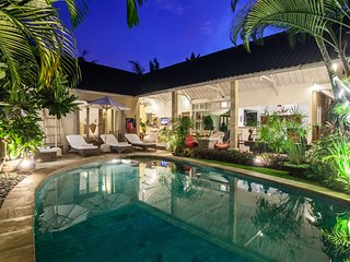 Villa Sami Luwih - Wonderful 3BR & Private Pool Villa in the Heart of Seminyak