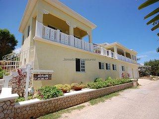 Arawak By The Sea, Silver Sands. Jamaica Villas 3BR