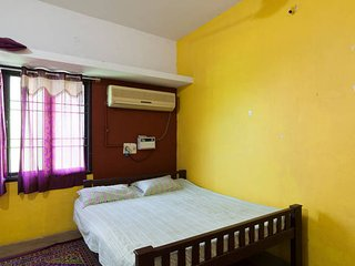 place to relax and have fun in a good location, Pondicherry