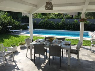 New villa with pool and garden in Terrasini