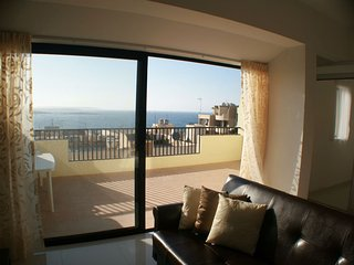 Luxury 2 Bedroom Penthouse with Sea View, San Pawl il-Baħar (St. Paul's Bay)