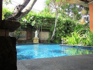 La Vida Loca, 3 bedrooms Colonial Villa in Jimbaran