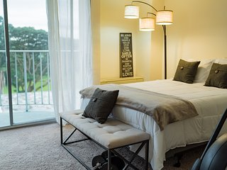 Beautiful Hilo Lagoon Condo! Last Minute Special for June $99 per night