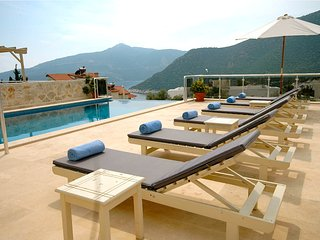 Villa Dilara - 5 bed detached modern villa with incredible sea views