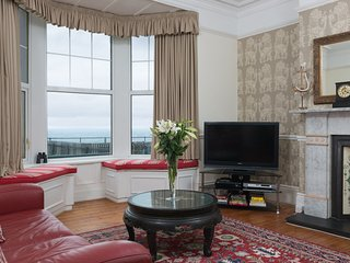 'Castaways' One Bed Pet Friendly Self-Catering  apt  sea views -, Whitley Bay