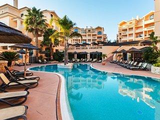 1 Bed Flat at Estrela da Luz Spa Resort. Sleeps 4. Views over the pool & garden