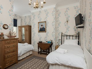 Twin studio room ensuite  in stunning seaside location, Whitley Bay