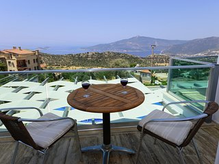 Villa Tiger - 4 Bedroom villa in an idyllic location overlooking Kalkan Bay