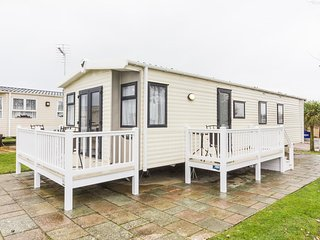 HHHV – 80055 Waterways – Diamond Plus 6 C/H D/G 3 Bedroom with Large Decking, Hopton on Sea