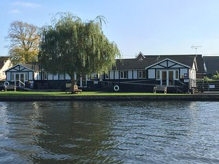Quayside Lodge/Disabled Accessible, Horning