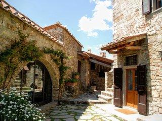 6 bedroom Villa in Radda in Chianti, Chianti, Tuscany, Italy : ref 2383105