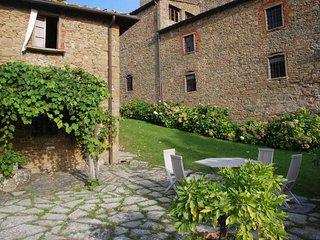 3 bedroom Villa in Radda in Chianti, Chianti, Tuscany, Italy : ref 2383093