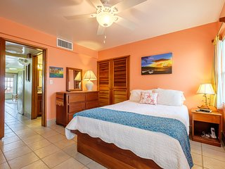 Adorable 1 bedroom condo on private beach! -A3