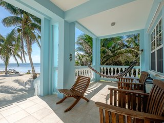 Sunset Beach B1 - 3 brm condo on your own private beach! - AC/WiFi/bikes/kayaks