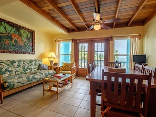 Sunset Beach A5 - 2 bedroom condo with loft on private beach!/ WiFi/AC/kayaks
