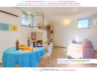 Ischia Porto Holiday Apartment Near The Beach and Playground
