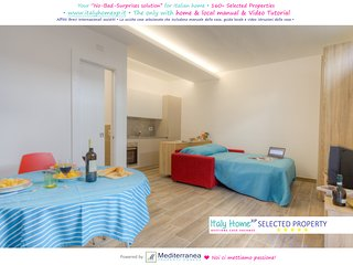 Ischia Porto Holiday Apartment at 3min walking from the beach, Isquia
