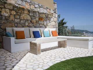 Tastefully furnished garden floor apart with private pool, Bodrum City