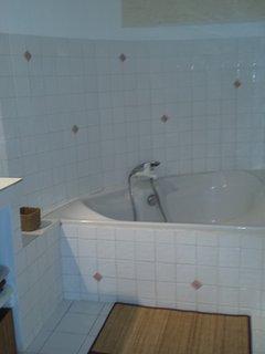 Baignoire salle de bain principale