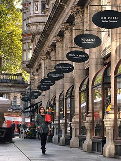 The Sicilian Avenue for coffee and shopping is 5 minutes away.