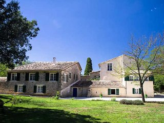 Chateau to rent in South France, 9 bedrooms sleeps 22 with private pool, Brouzet-les-Ales