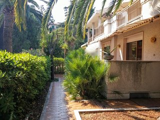 Stunning Three Bedrooms Apartment Private Parking, Sanremo