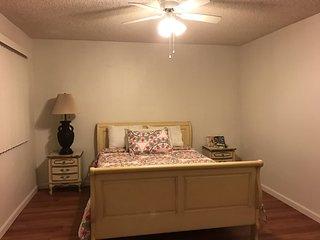 Furnished 2-Bedroom Apartment at Glenoaks Blvd San Fernando