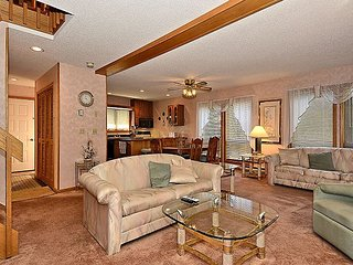 Unit 99: Elegant 3 bedroom condo located just minutes from prime skiing in WV