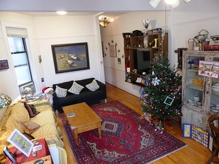 Bright, quiet, spacious 2-bed apt in prime Park Slope