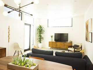 Furnished 1-Bedroom Apartment at Broderick St & Grove St San Francisco