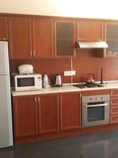 90m2 apartment in a quiet central location 5 min walking distance to the center, Baku