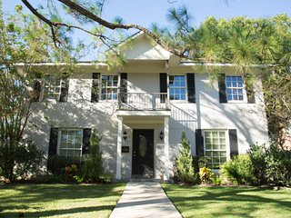 Home away from home / Luxury in the Heart of Houston close to Medical Center