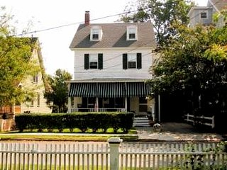Longfellow Guest House 3417, Cape May