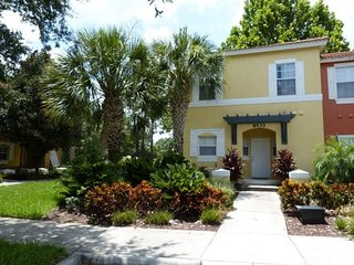 8433CCL. 3 Bedroom 2.5 Bathroom Townhouse In KISSIMMEE FL