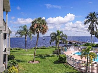 Waterfront at Mariner Pointe, Sanibel Island