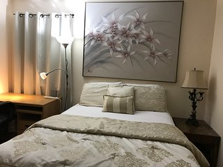 *Private Room Near NYC/Newark Airport (EWR) /Jersey Gardens Outlet Mall*, Hillside