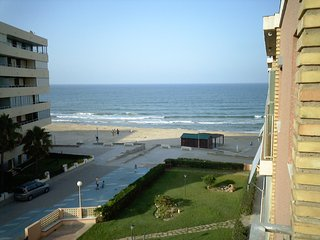 Apartment built on the front beach to Rent;  short  or long term, Sueca