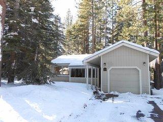 1831O- Tahoe Paradise Cabin, South Lake Tahoe