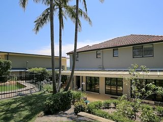 Elegant Holiday Home near Northern Beaches & CBD, Northbridge